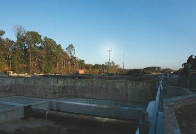 Lichtmasten im Wasserbau
